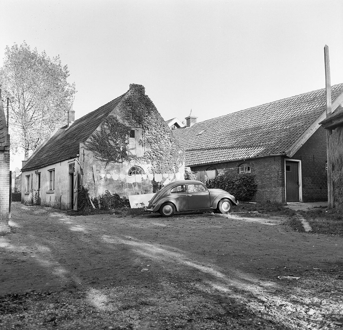 1970 Achterzijde boerenerf Foto A.J. van der Wal, Rijksdienst vh Cultureel Erfgoed, objectnr. 136.829