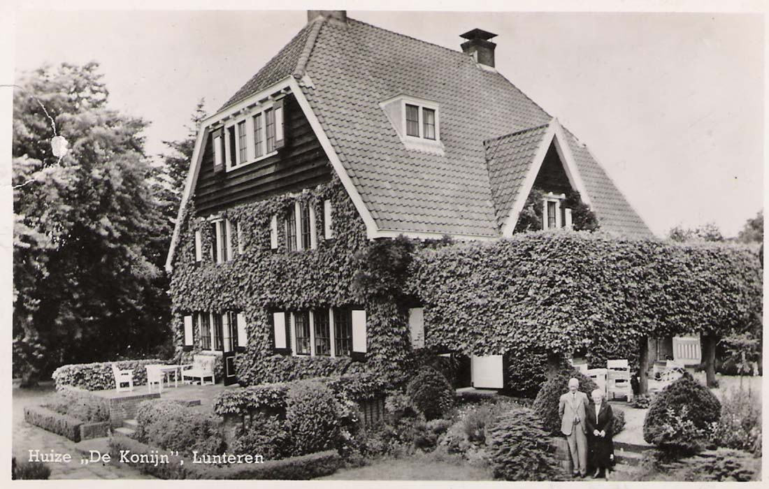 1920_Huize de Konijn, Lunteren, Keermuurtjes en gemetselde trapjes_Collectie Gemeentearchief Ede